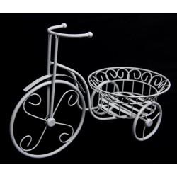 Landfeld - Fahrrad mit Korbe